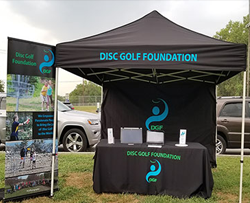 Disc golf volunteers